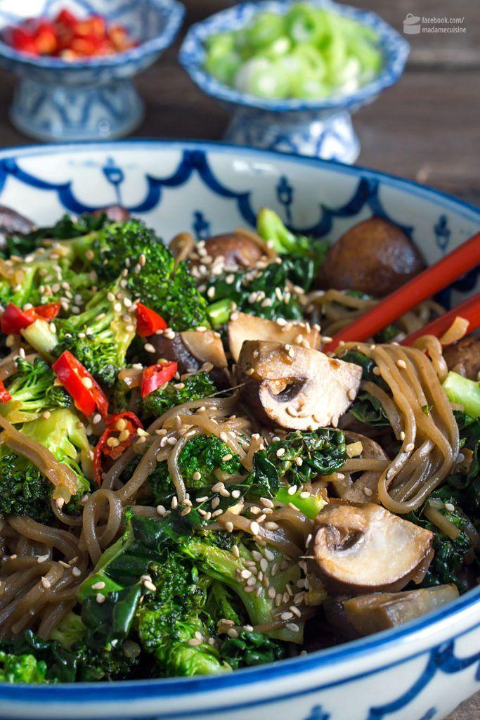 Soba-Nudeln mit Teriyaki-Gemüse - Madame Cuisine #chinesemeals