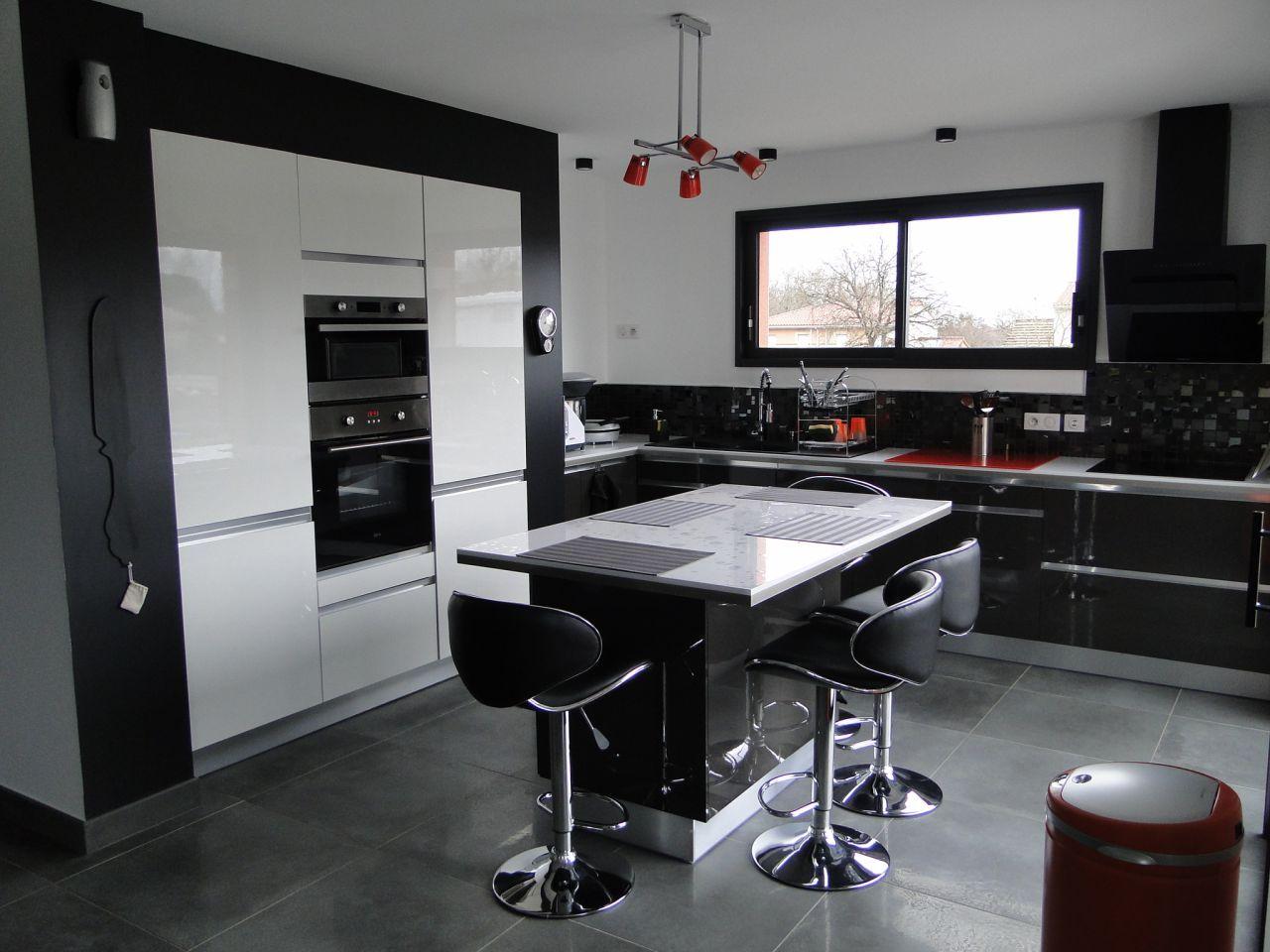 Cuisine achev e maison tage dans le 31 par martine31 sur cuisines - Cuisine de 16m2 ...
