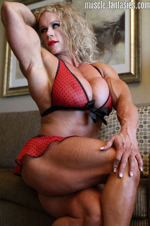 muscle girls live