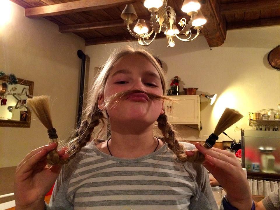 Per noi aiutare è anche ridere sotto i baffi, per te? www.wishgate.org