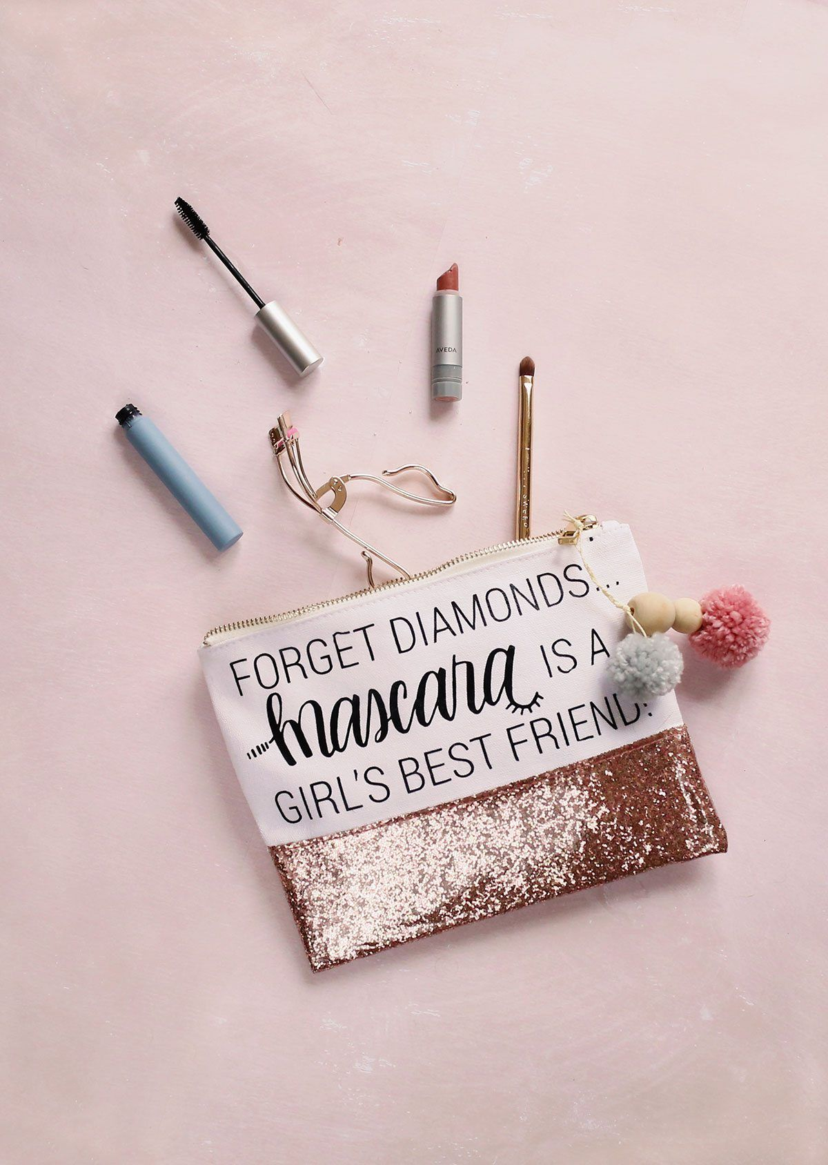 How to Make a Cute DIY Makeup Bag + Free Printable