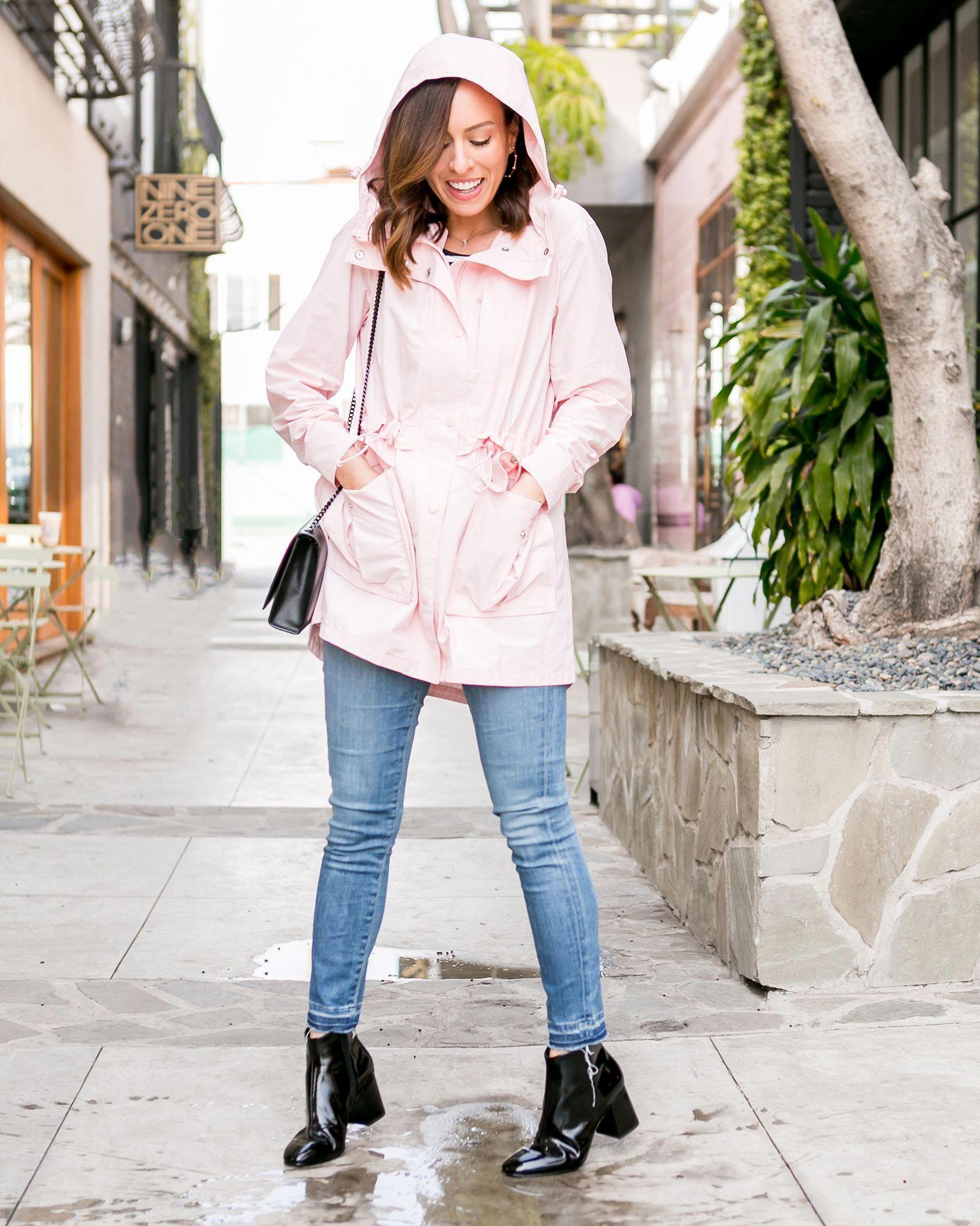 8c1d451277d4 Sydne Style shows what to wear in the rain in jcrew pink raincoat  pink   raincoats  rainjackets  jeans  RaincoatForCats