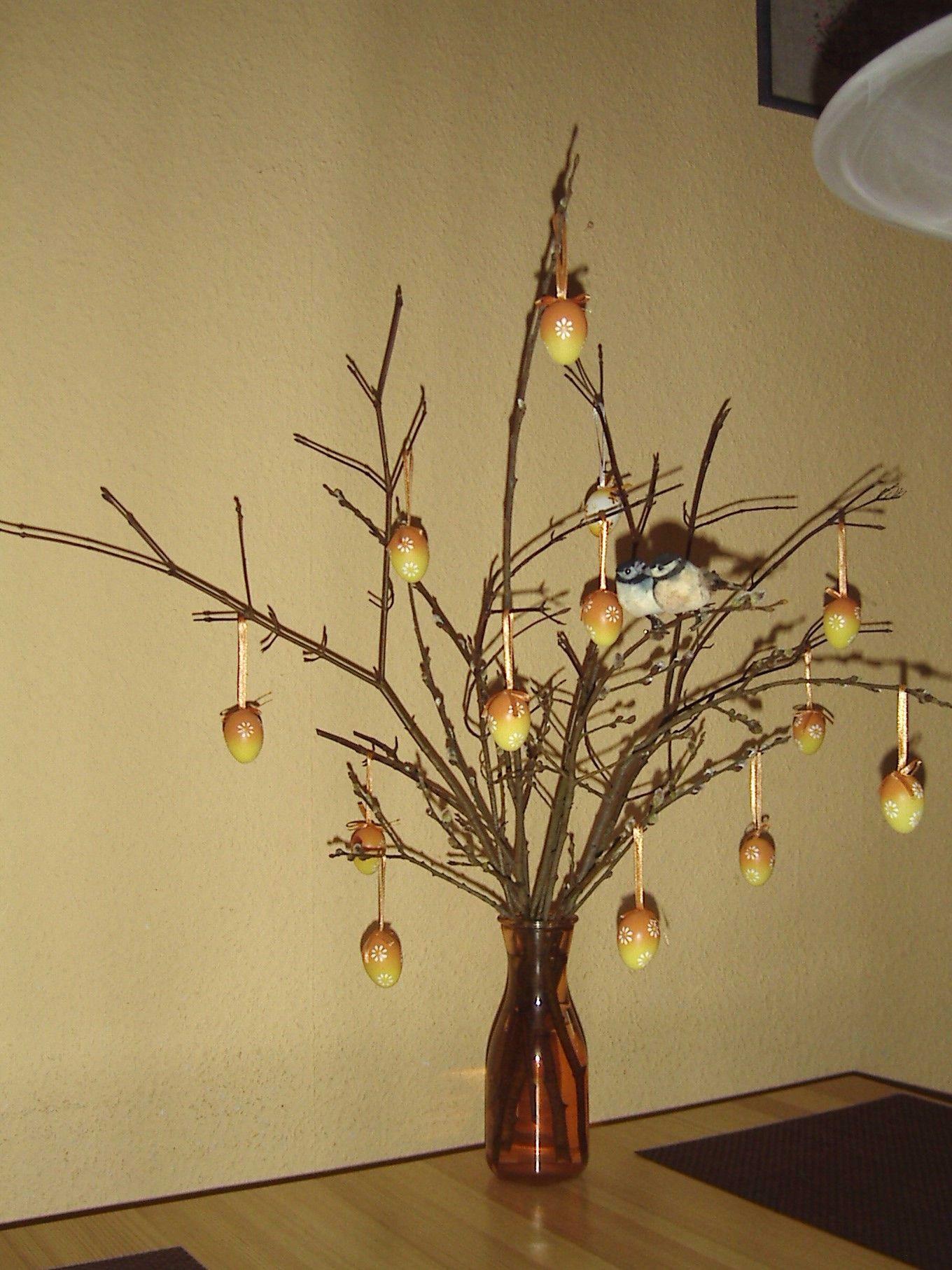 Osterbaum In Der Vase Dekorieren Osterbaum Kleine Vogel