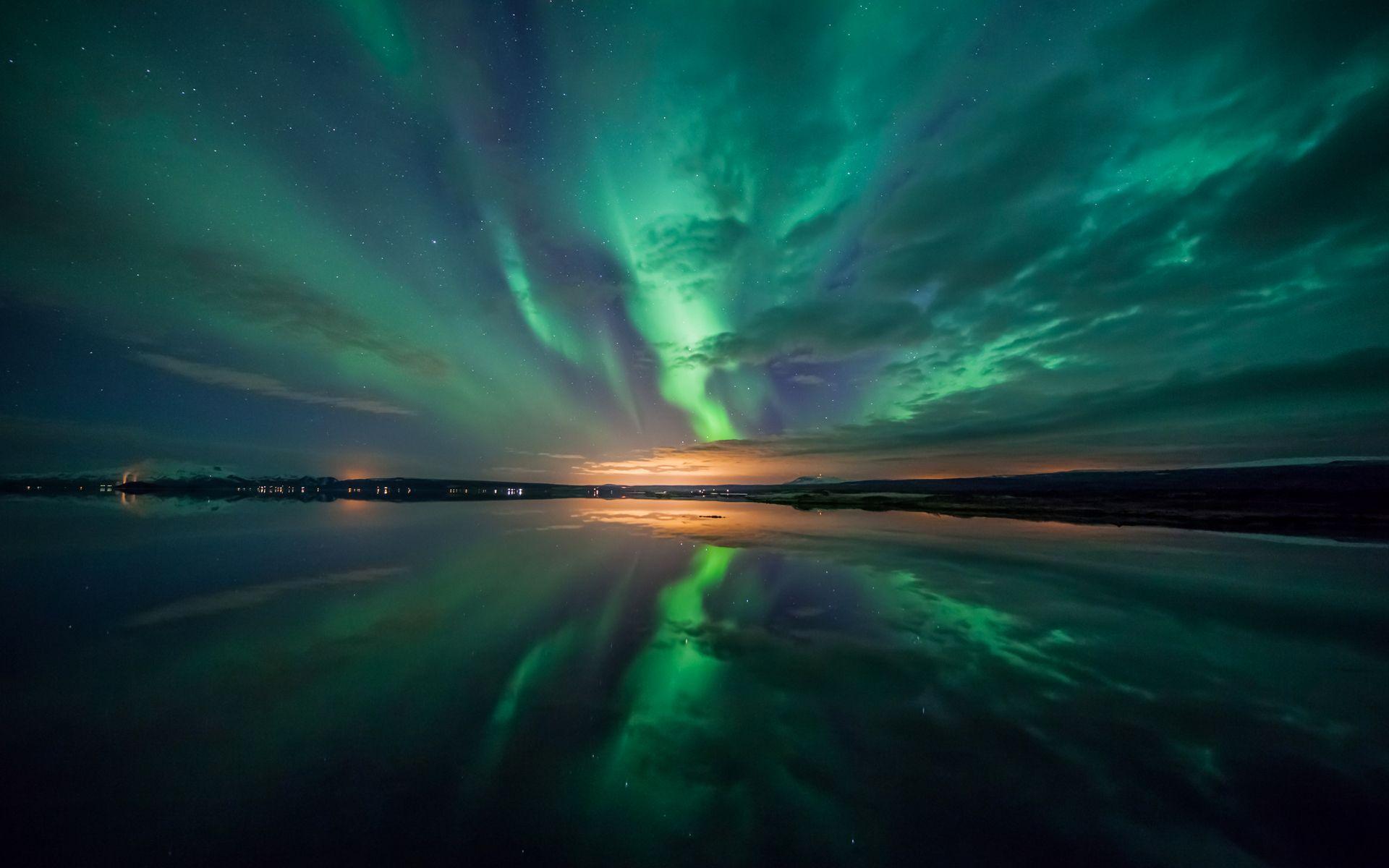 Aurora over Þingvallavatn, Þingvellir and Nesjavellir