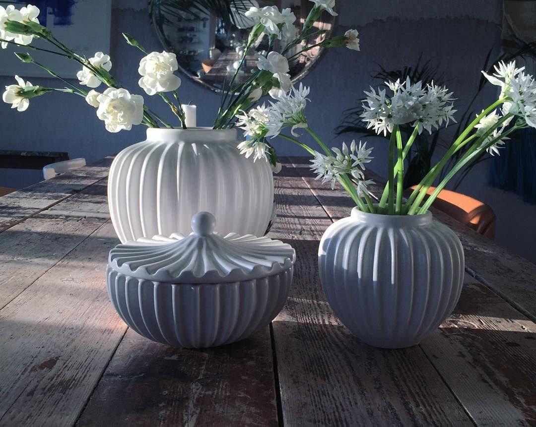 """Ramsløg"" flowers from the beach in my vases from @luciekaas (gave) #schollert #luciekaas #light #ramsløg #danishdesign #keramik #ceramics #ceramics"