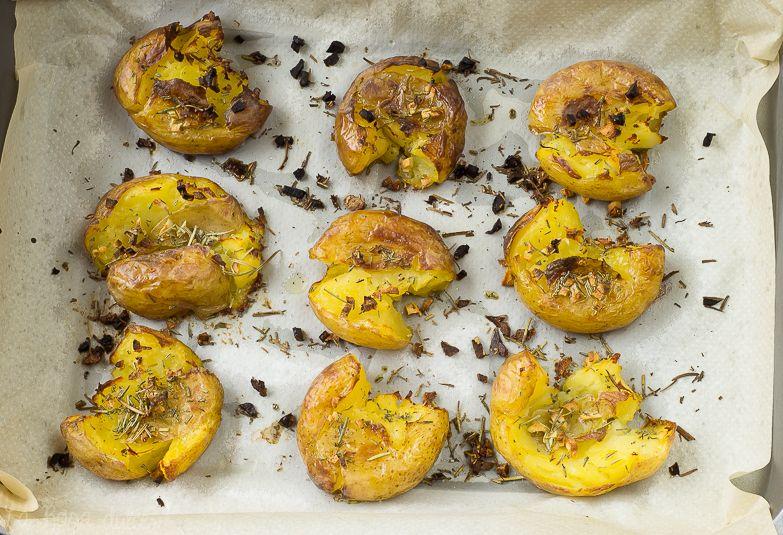 Patatas al horno con ajo y romero