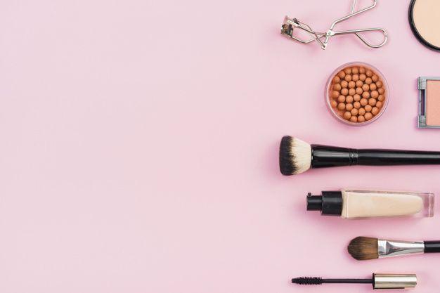 Arreglo de productos de maquillaje sobre... | Free Photo #Freepik #freephoto #fondo #mujer #moda #rosa