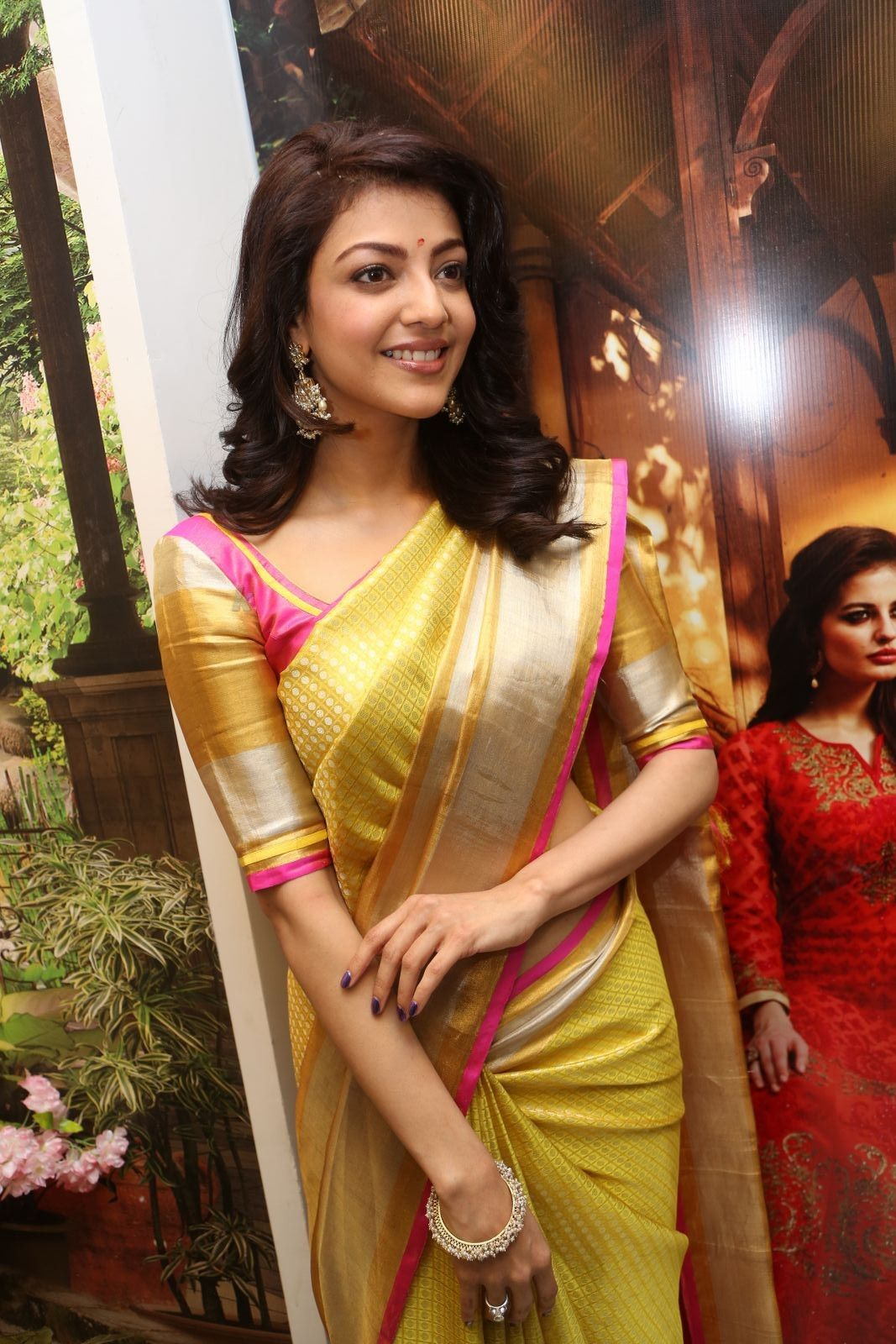 Kajal Agarwal New Photos In Traditional Saree Desipixer Saree Traditional Sarees Store Launch