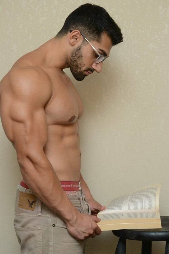 Muscles Gay 72
