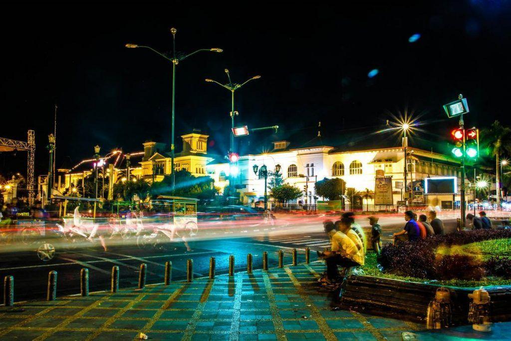 Malioboro Jogja, Kota Wisata Yang Kental Dengan Budaya Jawanya