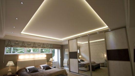 LED-paneelivalo 9W IP44 675LM lasikehyksellä