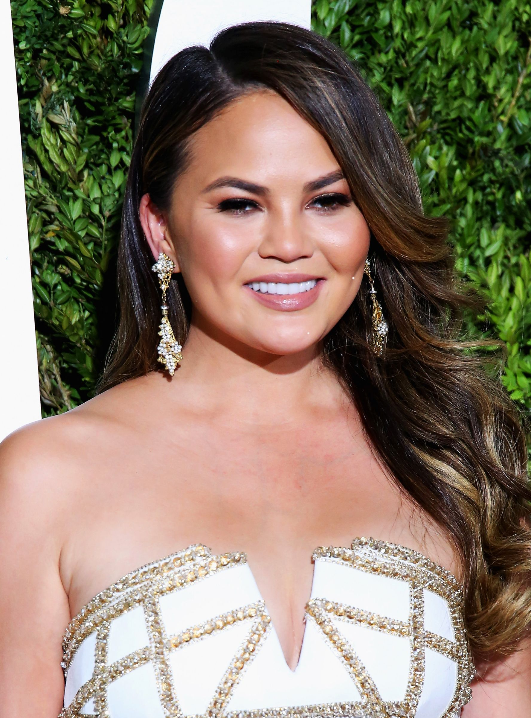 5c56d22ebd1 Chrissy Teigen's Secret On How To Look Alive Without Actually Trying +#refinery29