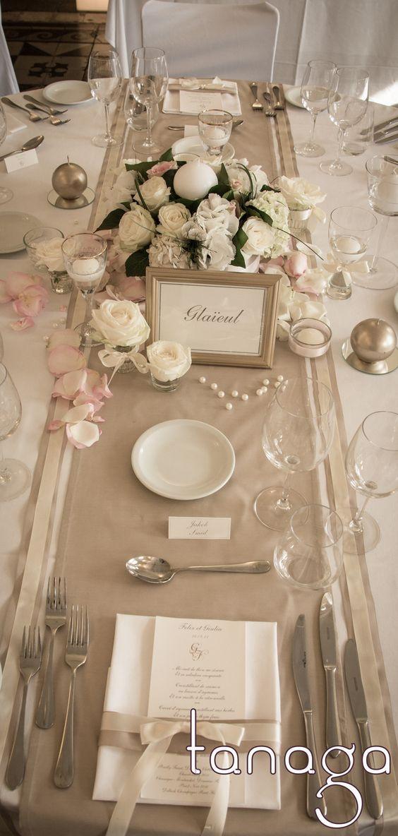 d coration de table mariage classico romantique rose blanche perles cr me et touche de ruban. Black Bedroom Furniture Sets. Home Design Ideas