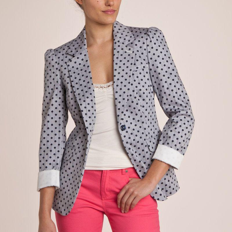 7451241389c777 Avec cette veste tailleur à pois, on apporte quelques touches de ...