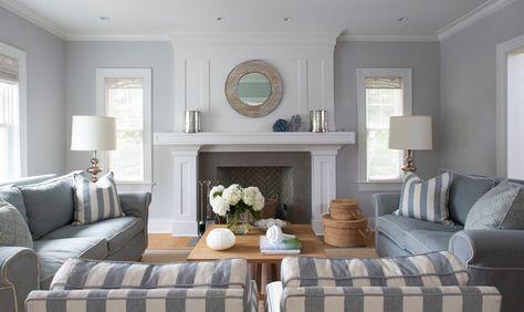 Soggiorno con pareti in grigio chiaro Molto elegante Home - wohnzimmer blau grau