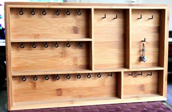 tutoriel diy fabriquer un pr sentoir bijoux via home decoration pinterest. Black Bedroom Furniture Sets. Home Design Ideas