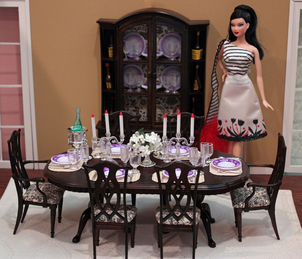 Superb Dining Room | Traditional Gloria Playset Repainted.