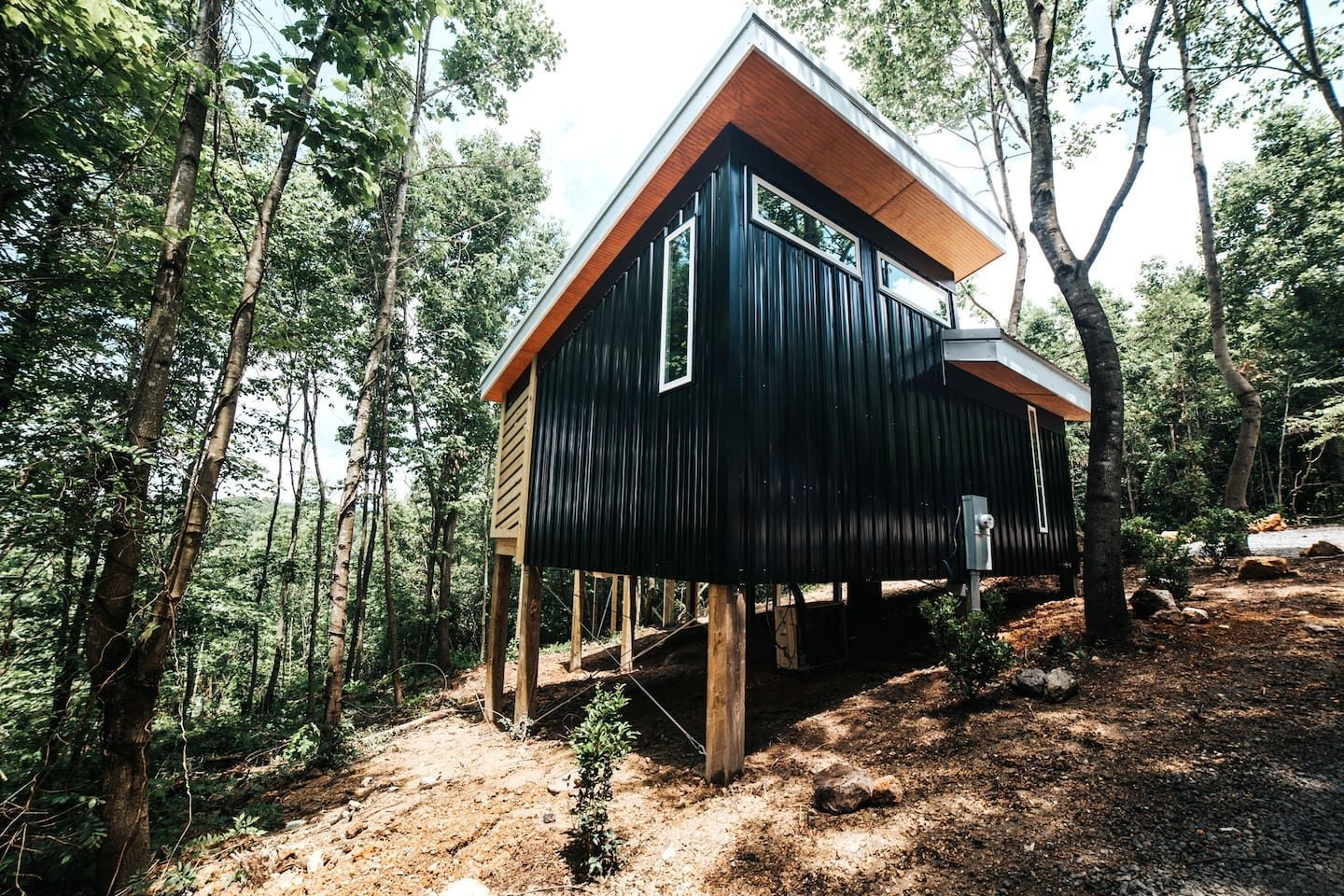 27 Tiny Houses In Georgia You Can Rent On Airbnb In 2021 Tiny House Exterior Tree House Georgia Homes
