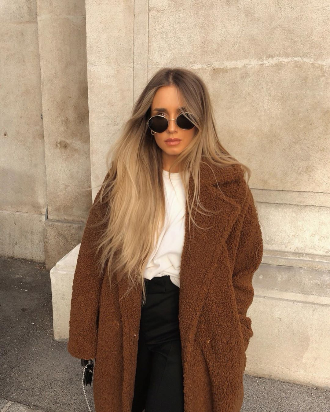 Hristina On Instagram I Basically Have 3 Hairstyles Straight Wavy Or Homeless Fashion Style Outfit Inspirations