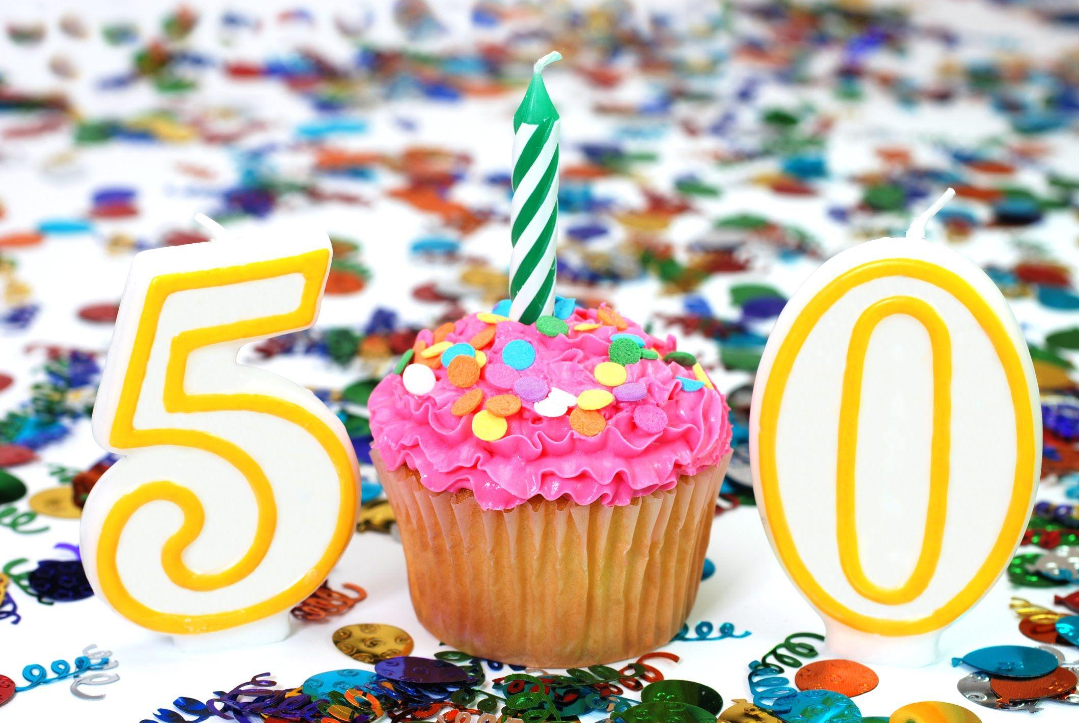 цветов картинки с 50 летним юбилеем подруге юноша