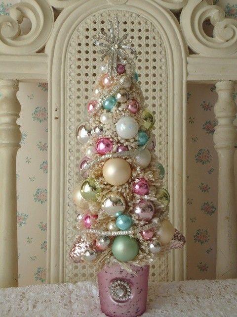 Shabby pastel bottle brush tree w rhinestone bow pastel - Navidad shabby chic ...