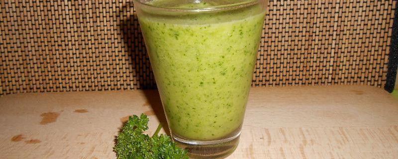 Groene Smoothie met Peterselie en Ananas