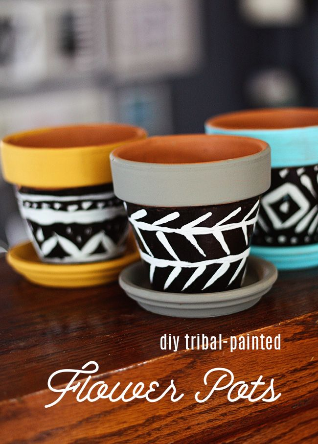 clay pot painting tribal designs 2 Ideas on How to Reinvent Your Terracotta Pots With Color