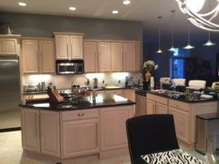 I Have Pickled Oak Cabinets And Want To Paint My Walls Gray Light Grey Preferably What Wall Color Will Not Make The Look More Pink