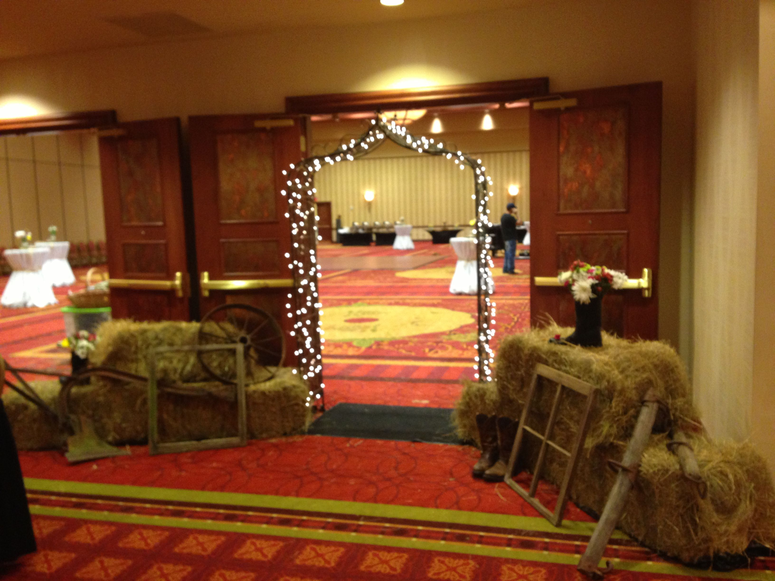 Country prom entry prom ideas pinterest country prom for How can prom venues be decorated
