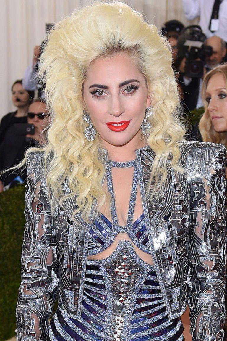 12 Pretty Shades Of Platinum Blonde Hair Lady Gaga Hair Platinum Blonde Hair Platinum Blonde Hair Color