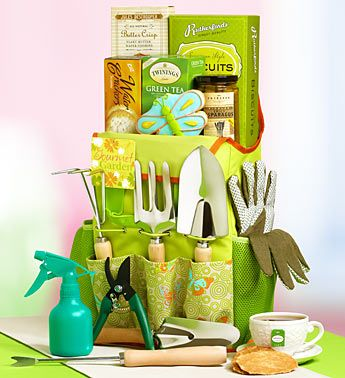 A Great Gift Basket For Gardening Lovers!