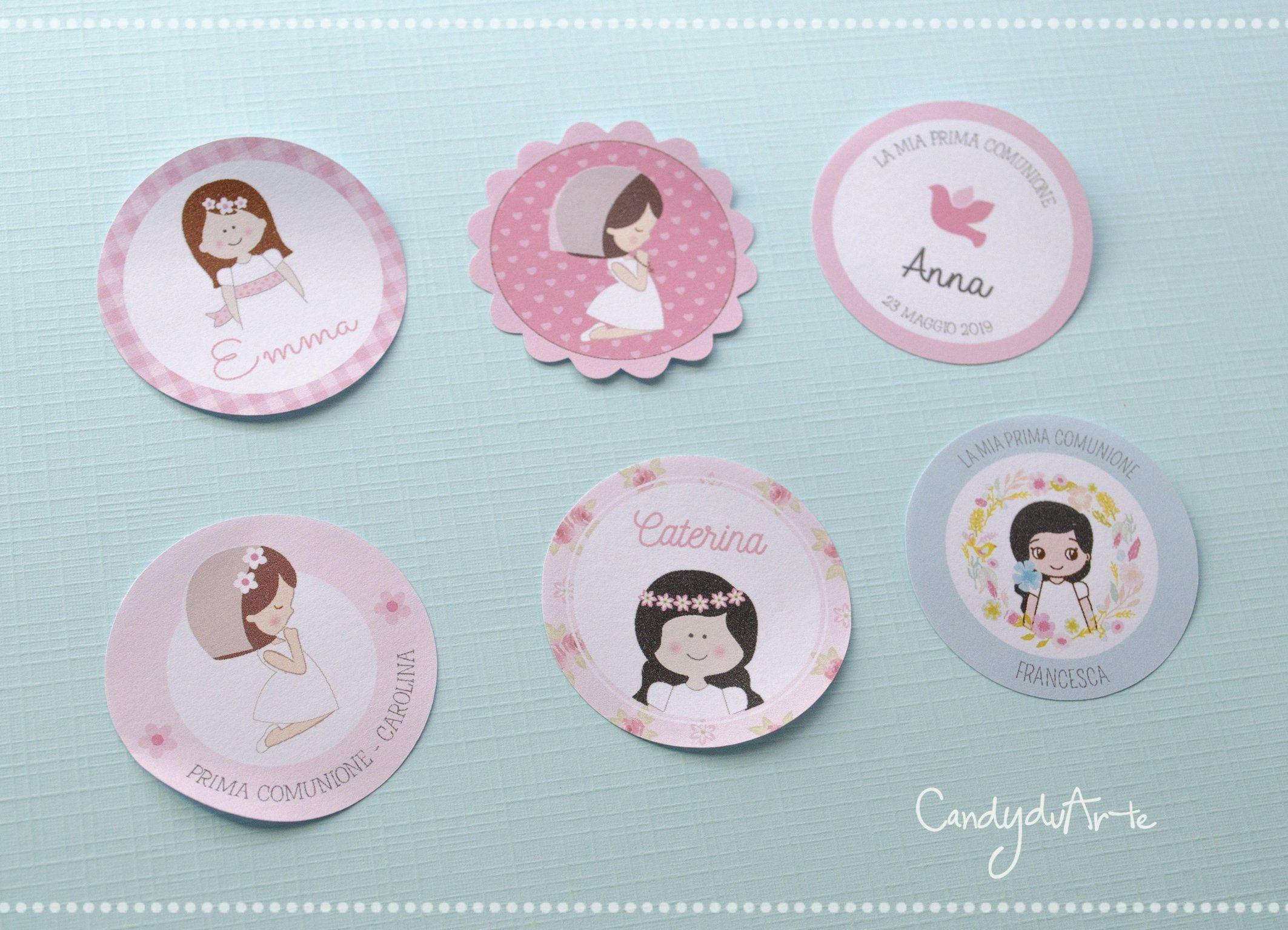 12 Etichette Adesive Prima Comunione Chiudipacco Stickers Adesivo Comunione Bomboniere In 2020 Place Card Holders Place Cards Cards