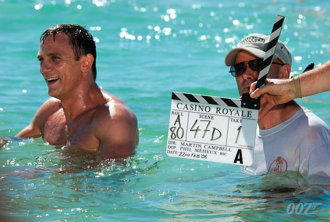 ffe30ab147 James Bond 007:「Martin Campbell directs Daniel Craig's iconic emergence  from the sea in the Bahamas for CASINO ROYALE (2006) #007 #JamesBond #BTS」