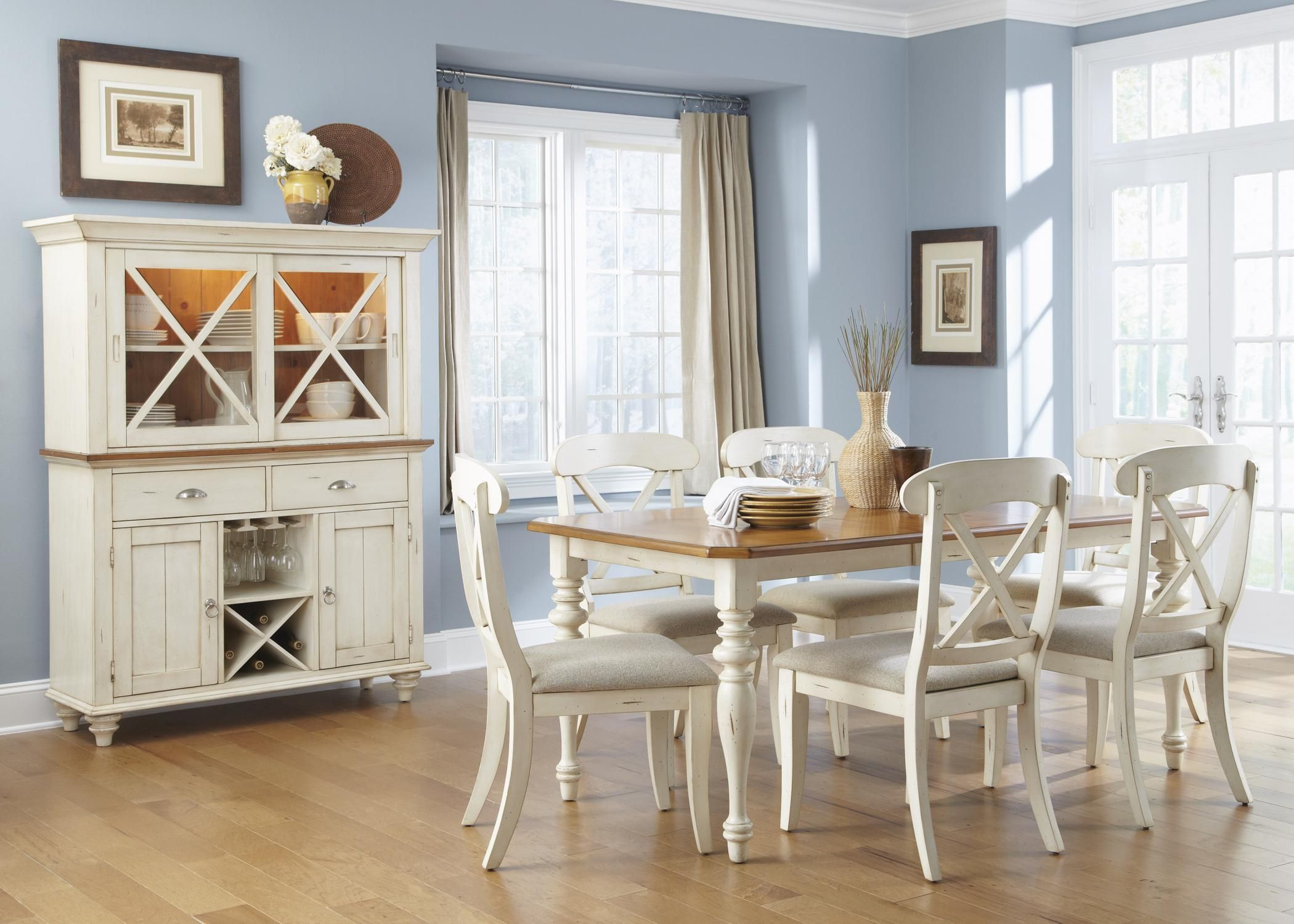 Liberty Furniture Ocean Isle Rectangular Table And Chair Dining Set