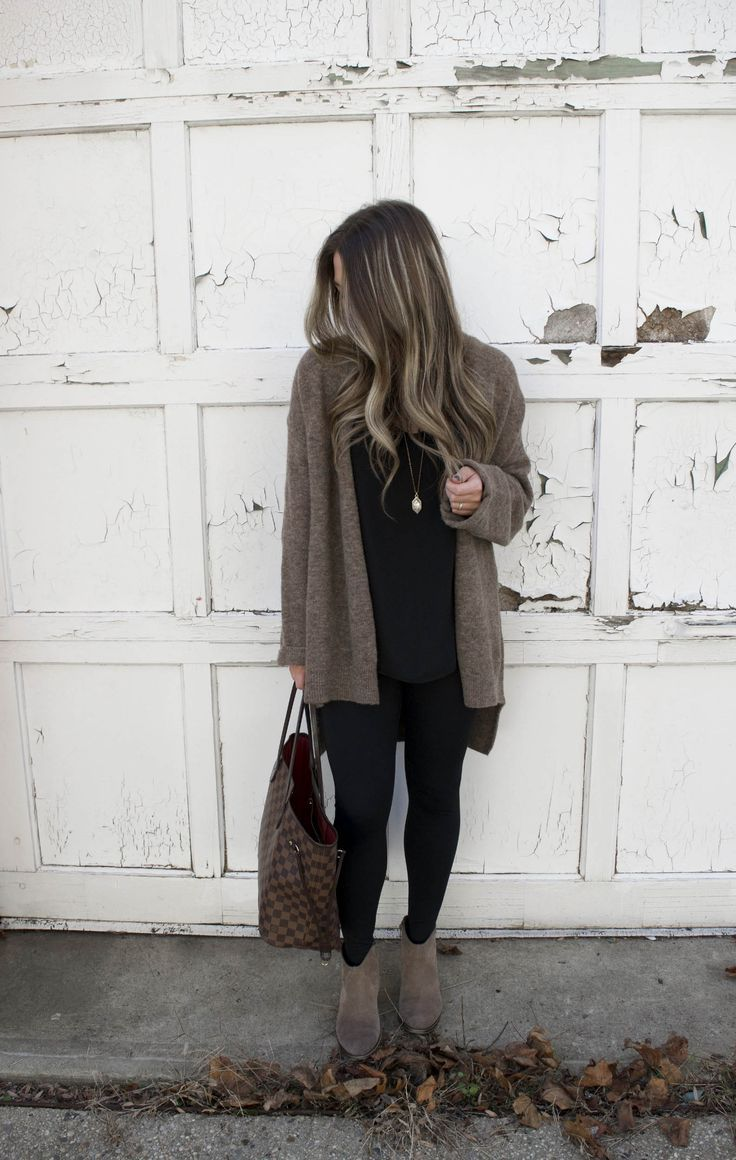 Four Outfits to Recreate this Fall is part of Clothes Fall Cozy - From transitional basics to cozy sweaters, I chose my four favorite outfits from last fall that you can recreate this season with current items that are in stock!