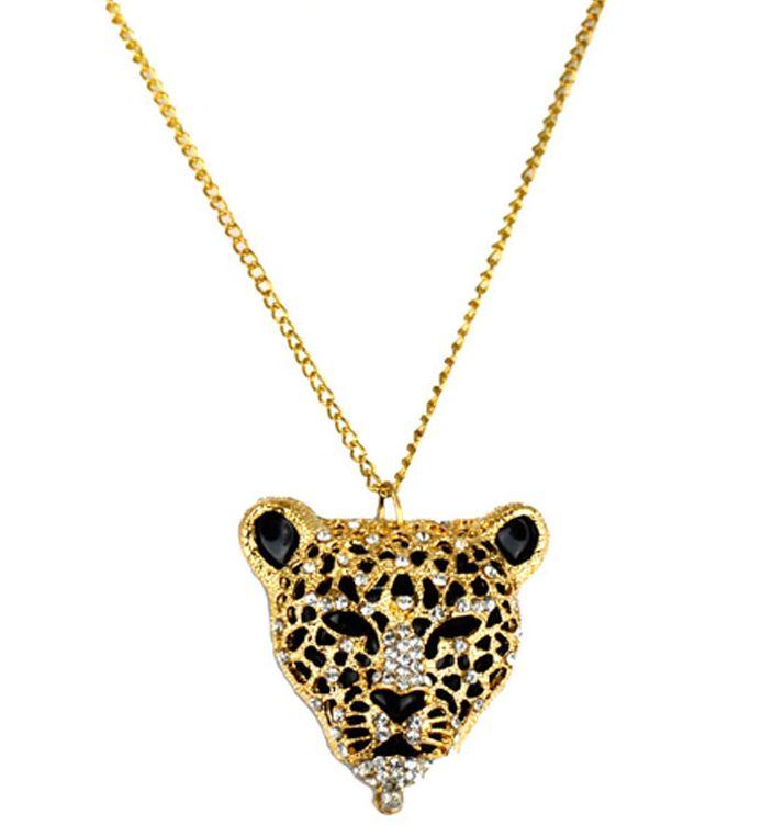 0881bcddcbd87 Colar Cartier Inspired com corrente dourada e pingente pantera, detalhes  vazados com strass.