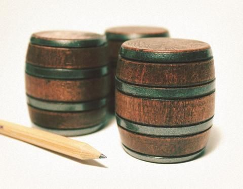 So cute!!! 1:24 Scale Miniature Wood Barrels - Set of 3