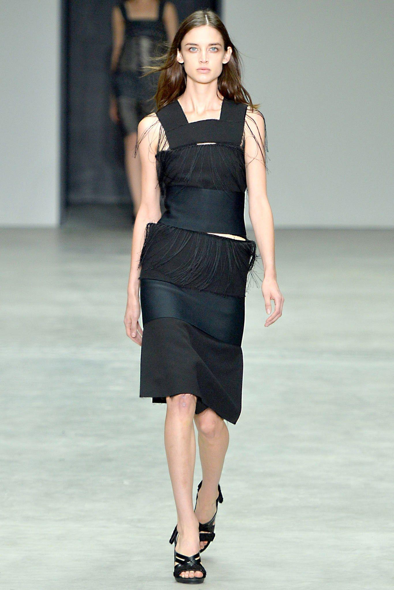 Calvin Klein Collection Spring 2014 Ready-to-Wear Fashion Show - Kate Goodling