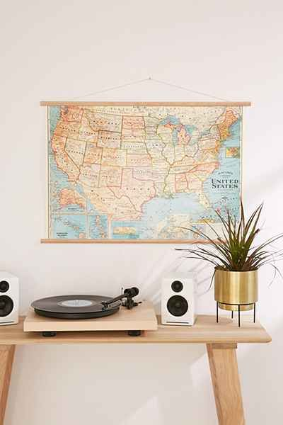 Teen boys bedroom study. Vintage map / home decor ideas. Modern vintage perfect for teen girls bedroom too