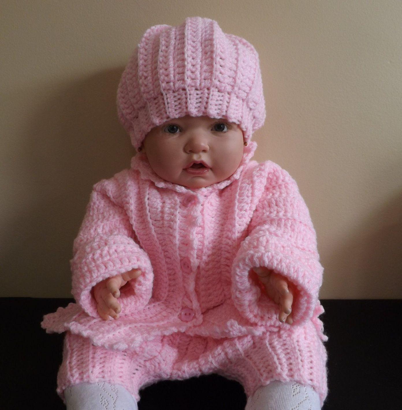 Conjunto a crochet para bebe - Patrones gratis #vestidosparabebédeganchillo