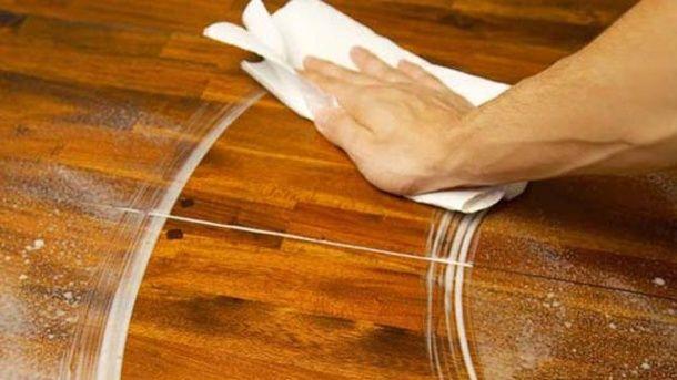 flecken in holzm beln entfernen haushaltstipps haushalts tipps m bel und haushalt. Black Bedroom Furniture Sets. Home Design Ideas