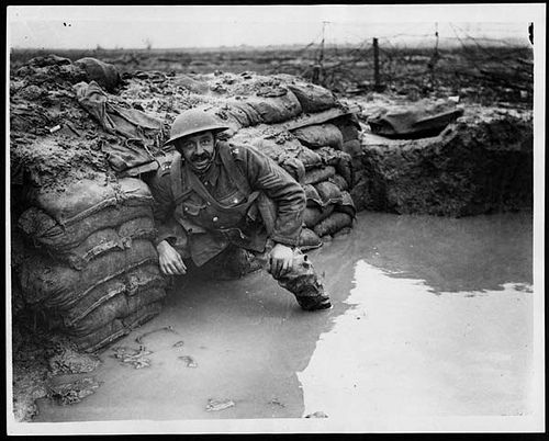Flooded Trenches, destroyed somethings and got soldiers sick too.   World war one, World war i, World war