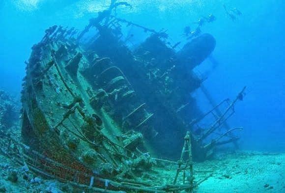 sunken ships and planes   ... Huge Ship, Bermuda Triangle ...