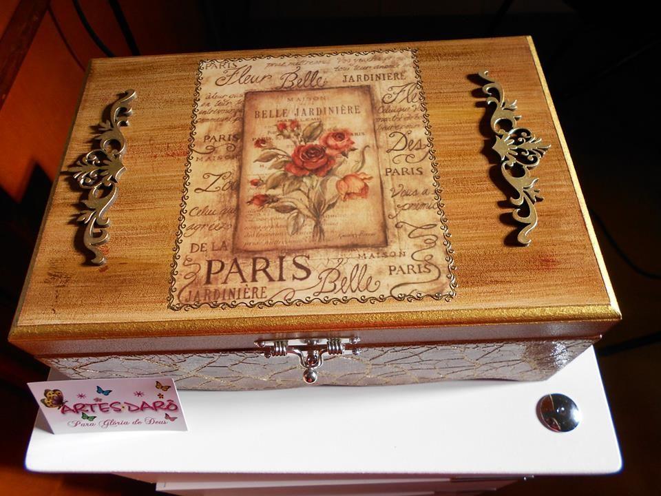 Fantástica esta caixa! A artesã estava muito inspirada quando a fez. Parabéns a artesã!