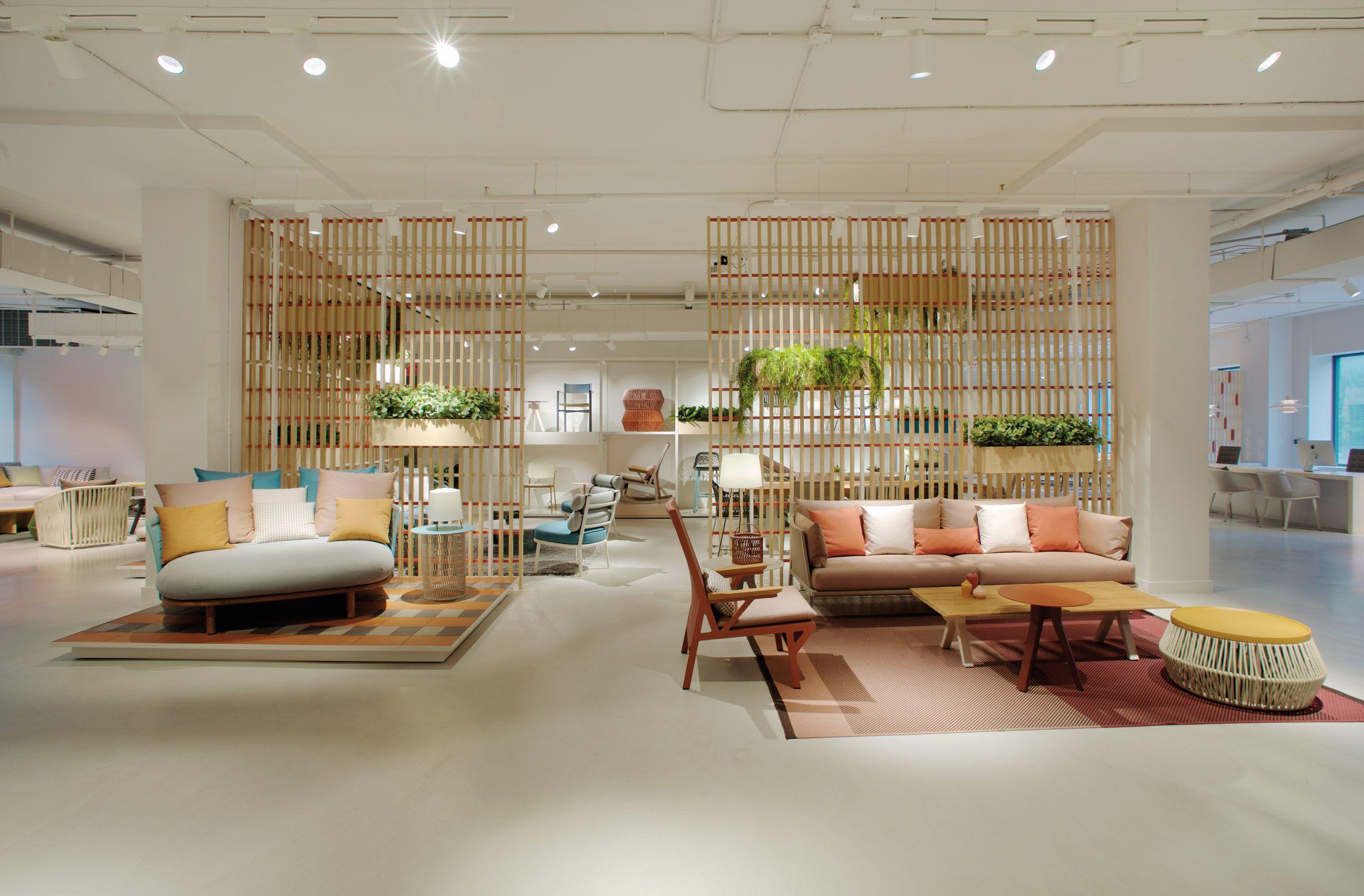 Patricia Urquiola designs Kettal furniture showroom in New ...