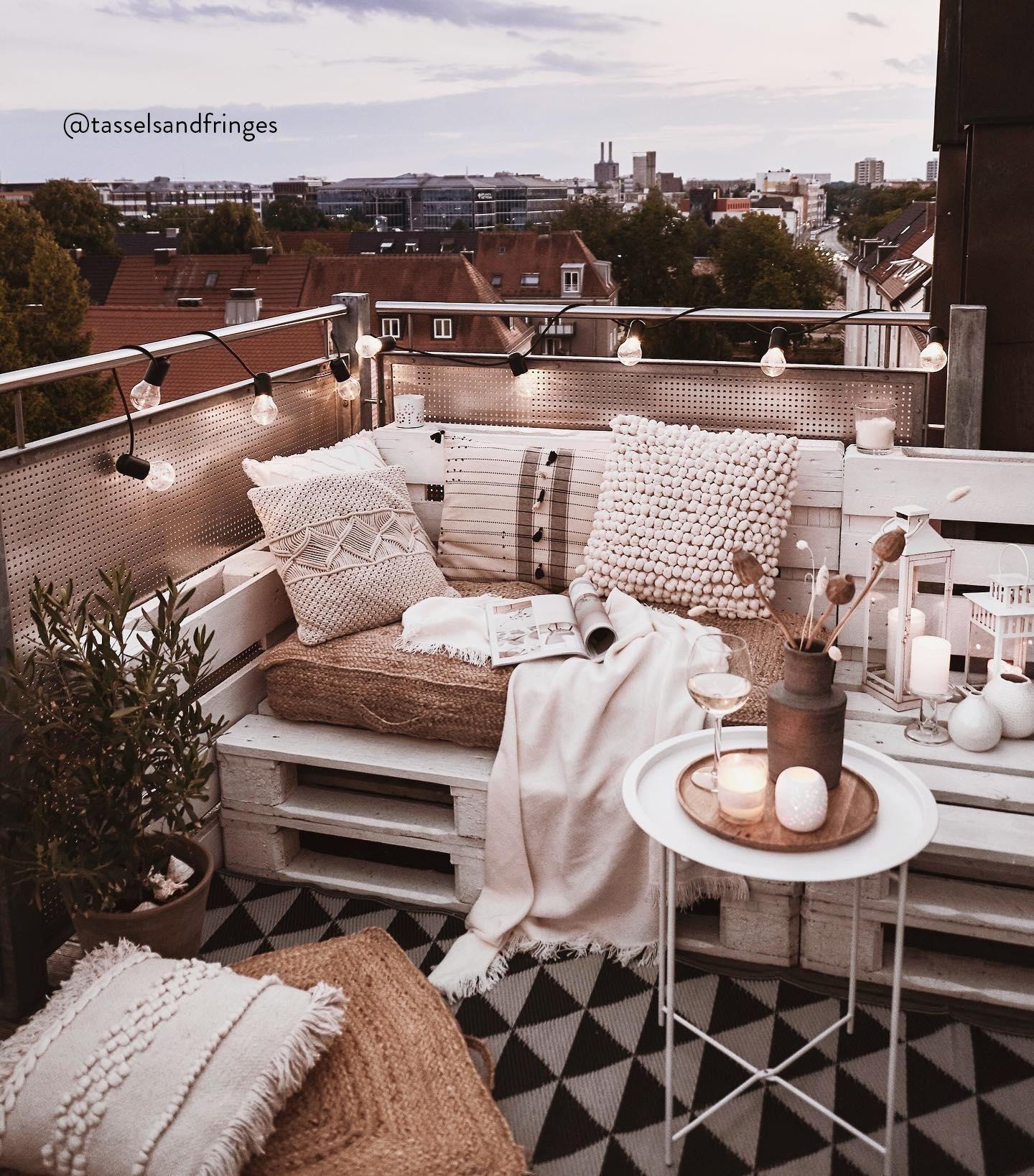 8 Wohnen Ideen in 8   wohnen, wohnung mit balkon einrichten ...