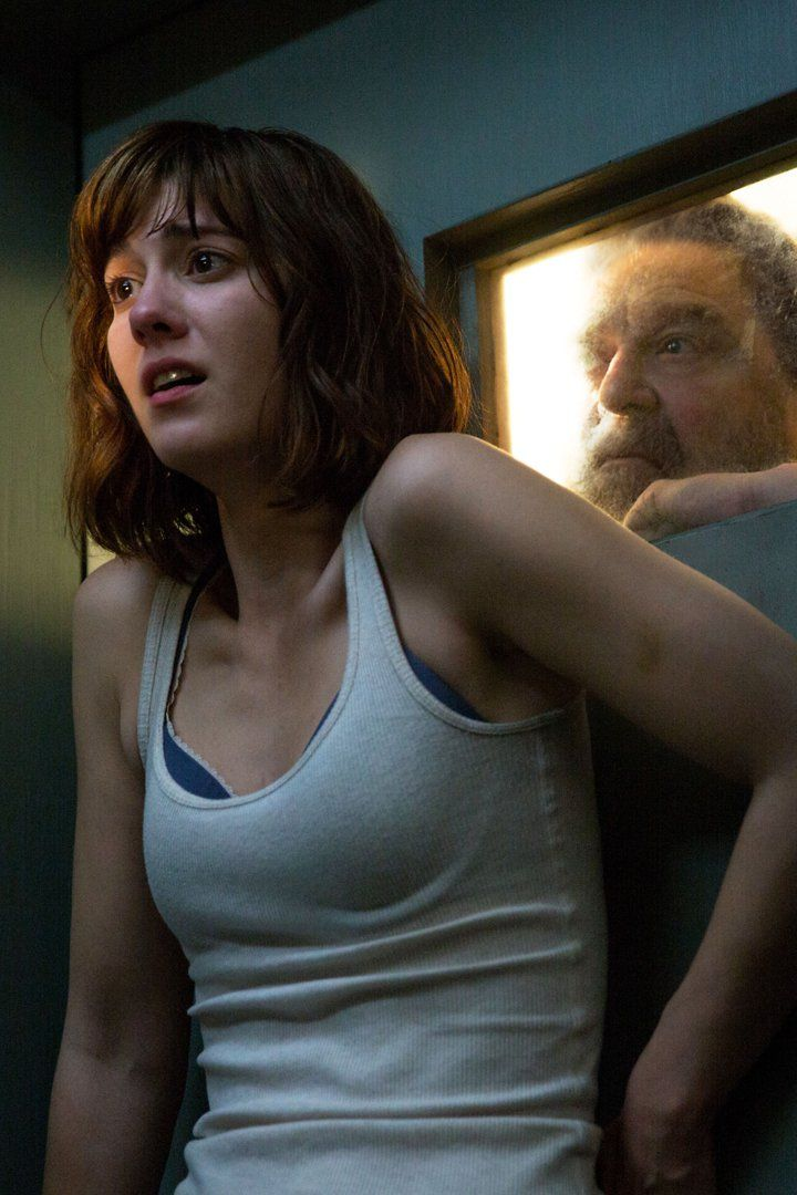 10 Cloverfield Lane Is Kind of A Sequel, Kind of Not