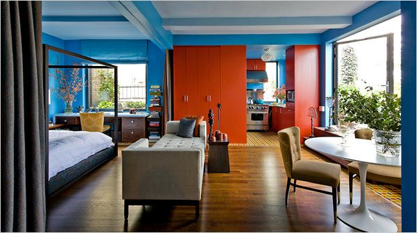 A Tiny Studio Dressed In Comic Book Colors Nytimes Apartment Designstudio