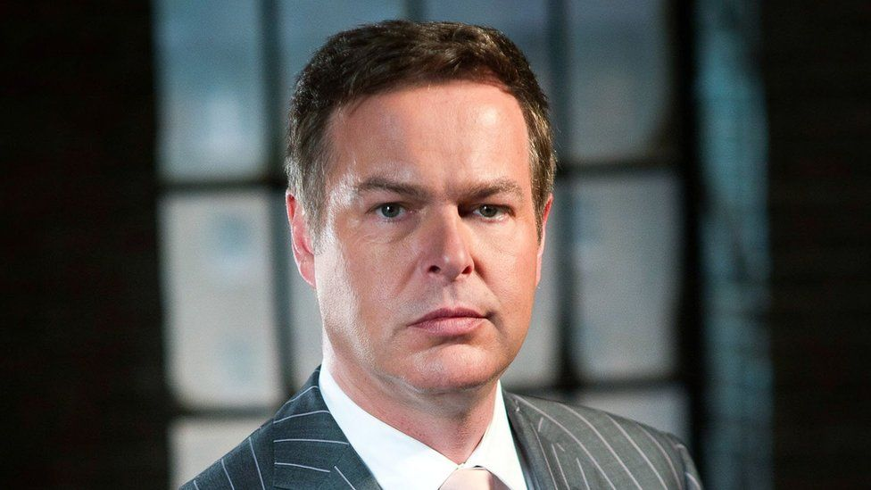 A firm which thought it had secured a £100,000 investment on the BBC's Dragons' Den TV show has the funding pulled by entrepreneur Peter Jones.