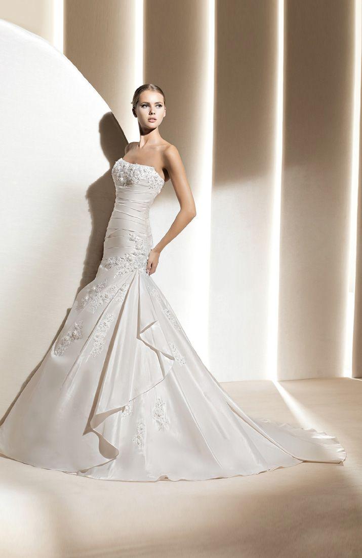 Taffeta white strapless trumpet mermaid chapel train wedding gowns